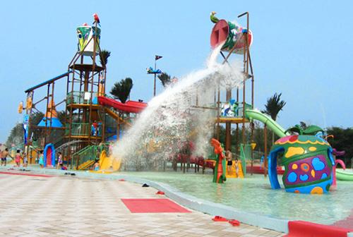 水寨以加勒比海盗为主题的大型互动水上城堡,占地面积约1400平方米