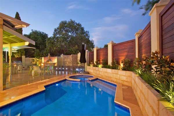 高檔小區,別墅區等家庭小型游泳池的建造